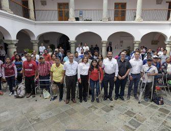 Benefician a 31 oaxaqueños de escasos recursoscon donación de prótesis