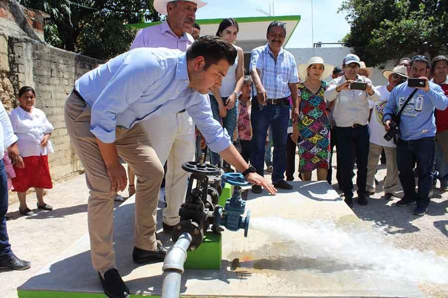 Photo of El pozo profundo en San Francisco Tutla, garantiza el agua para más de 2 mil 500 personas: Raúl Cruz