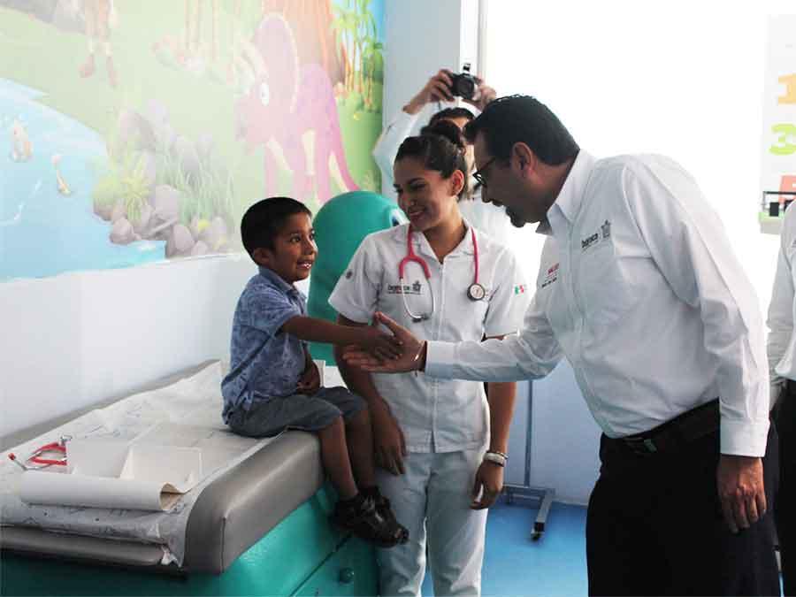 Photo of Destinan más de 84 MDP en equipamiento a unidades médicas de los SSO
