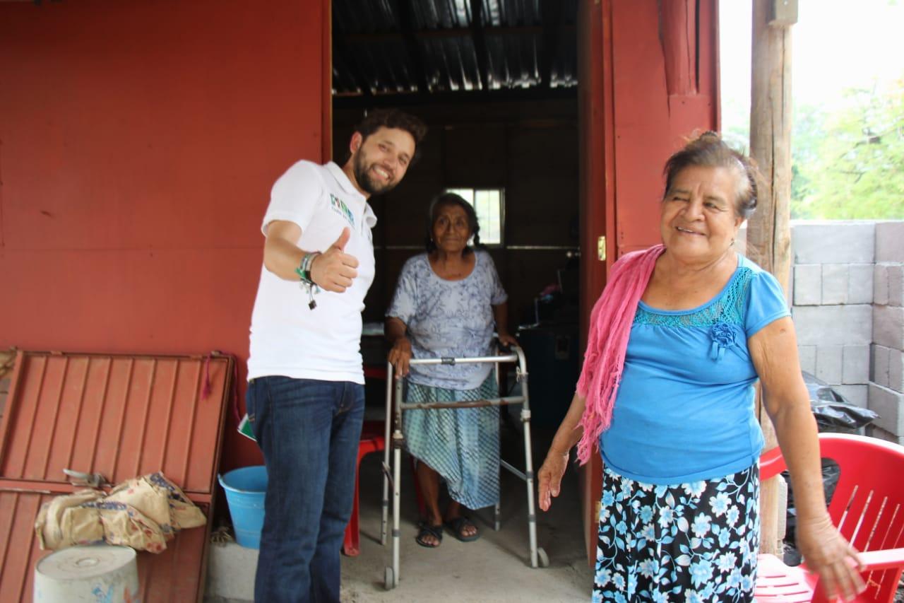 Photo of Realiza Pepe Estefan campaña casa por casa