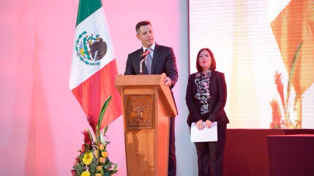 Refrenda Alejandro Murat compromiso para fortalecer la educación superior en Oaxaca (11)