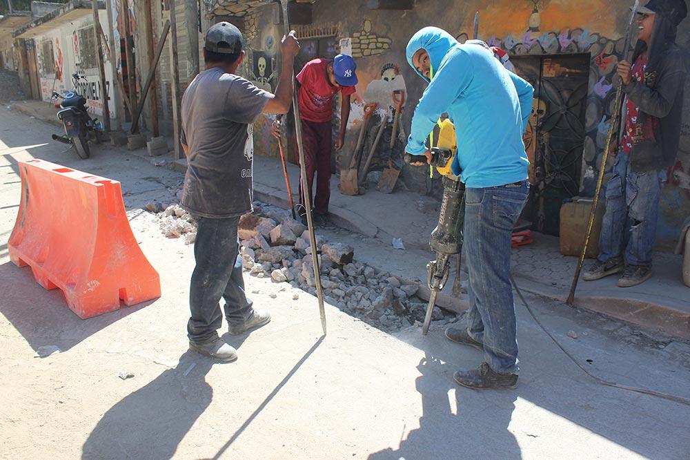 Photo of Con red de agua potable y drenaje sanitario, cumple gobierno de Zaachila compromisos de campaña