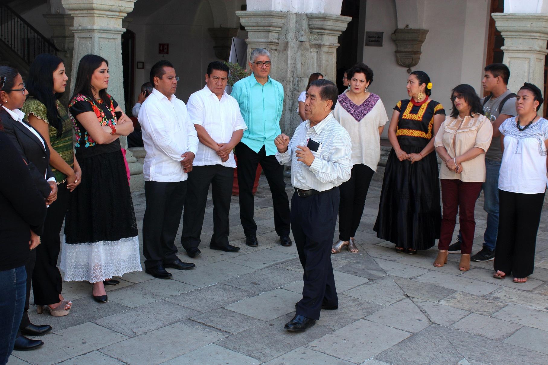 Photo of Miembros del Cabildo capitalino se adentran en la historia del Palacio Municipal