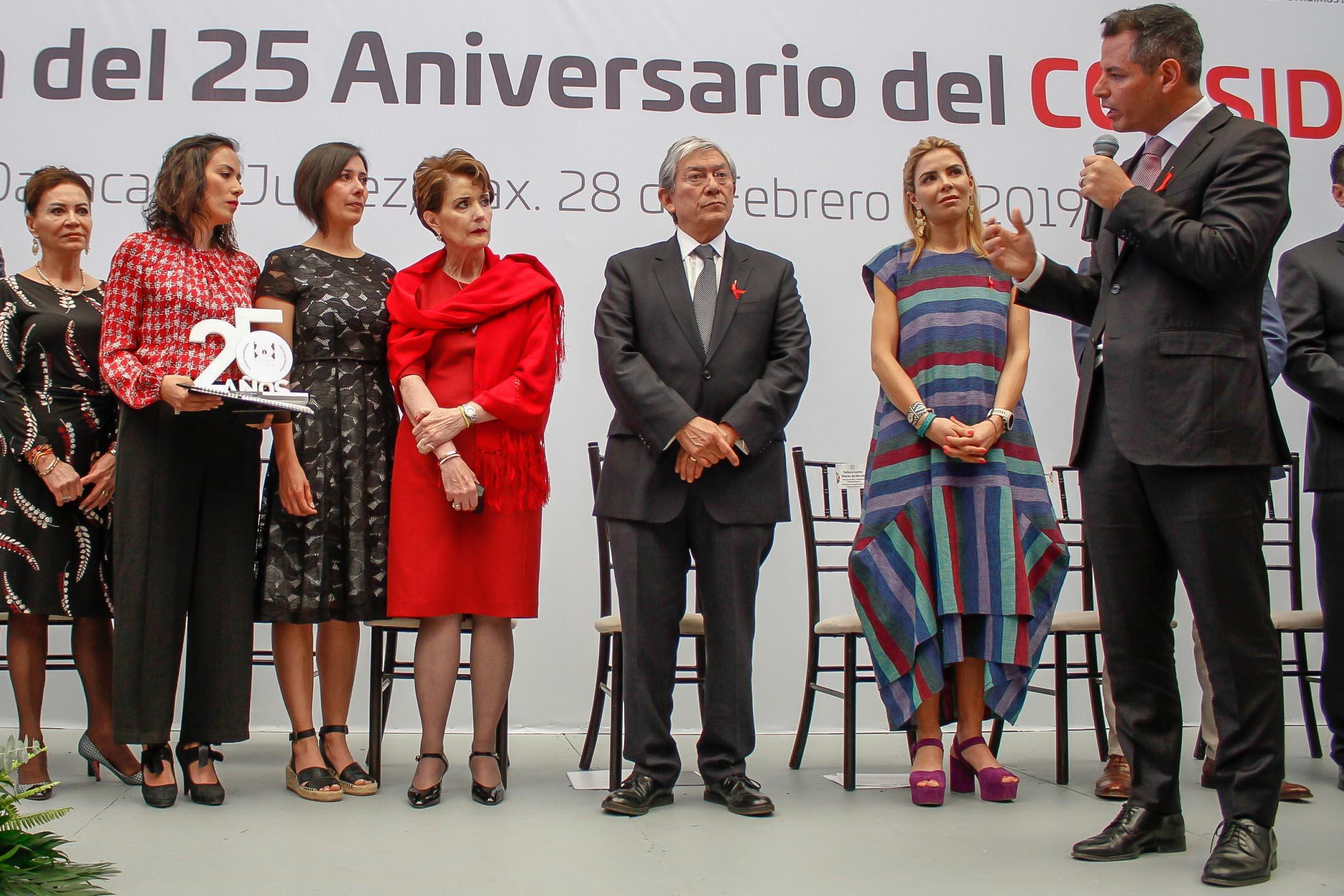 Photo of El trabajo del Coesida referente a nivel nacional e internacional  en su lucha contra el VIH y el Sida: AMH