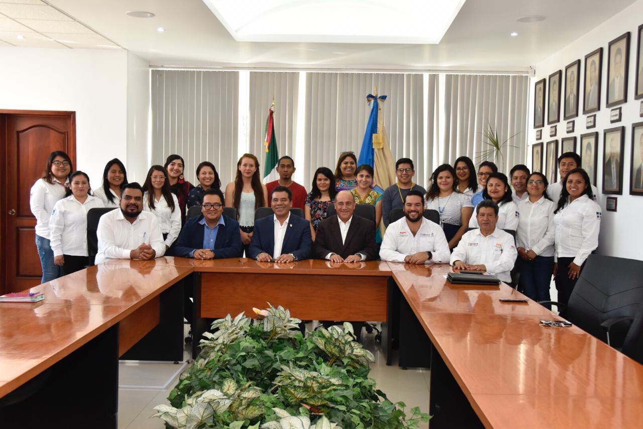 Photo of Establecen IEEPO y UABJO sinergias para la atención educativa de la niñez en hospitales
