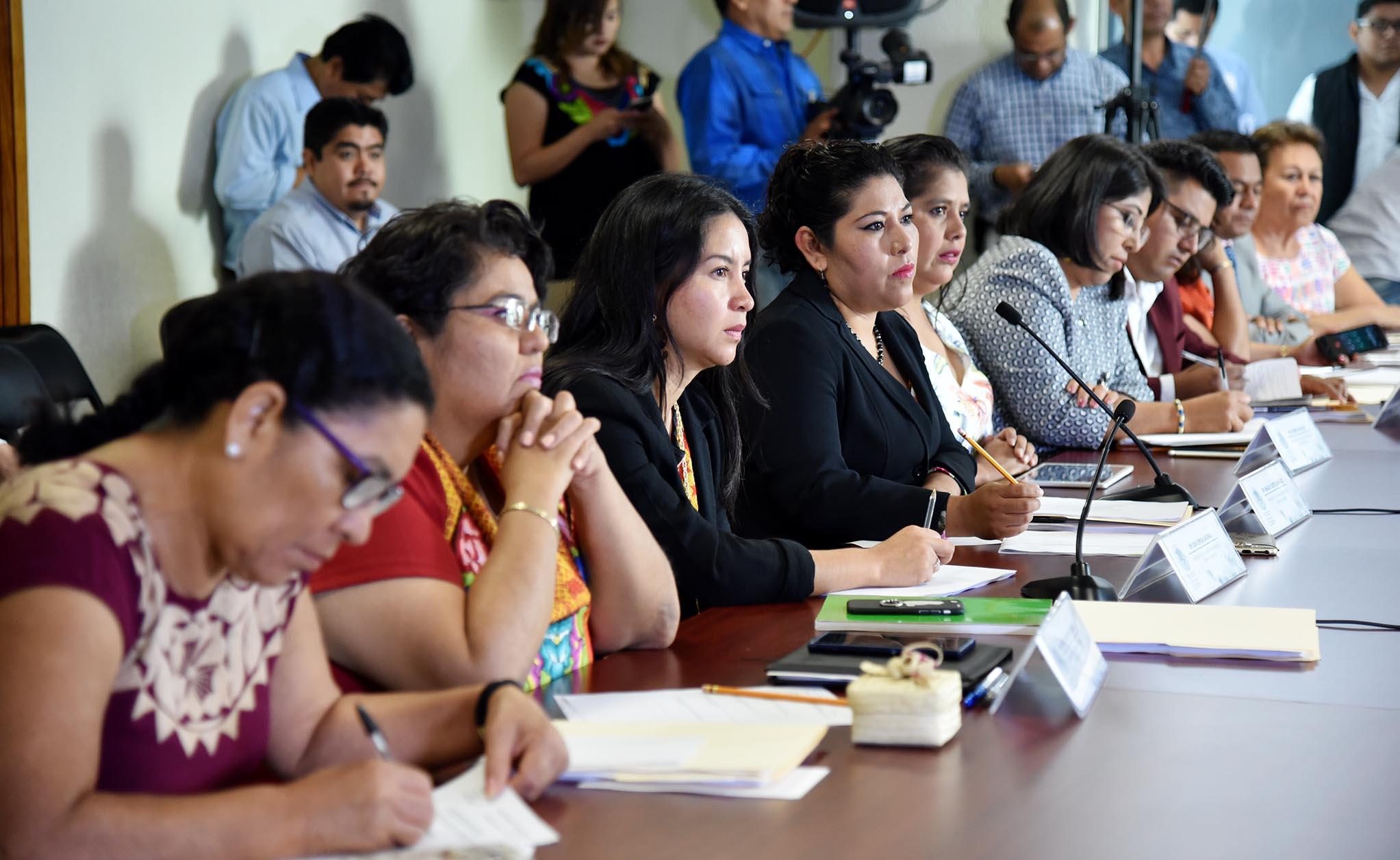Photo of En manos de los 42 diputados elección del nuevo Defensor de derechos humanos en Oaxaca