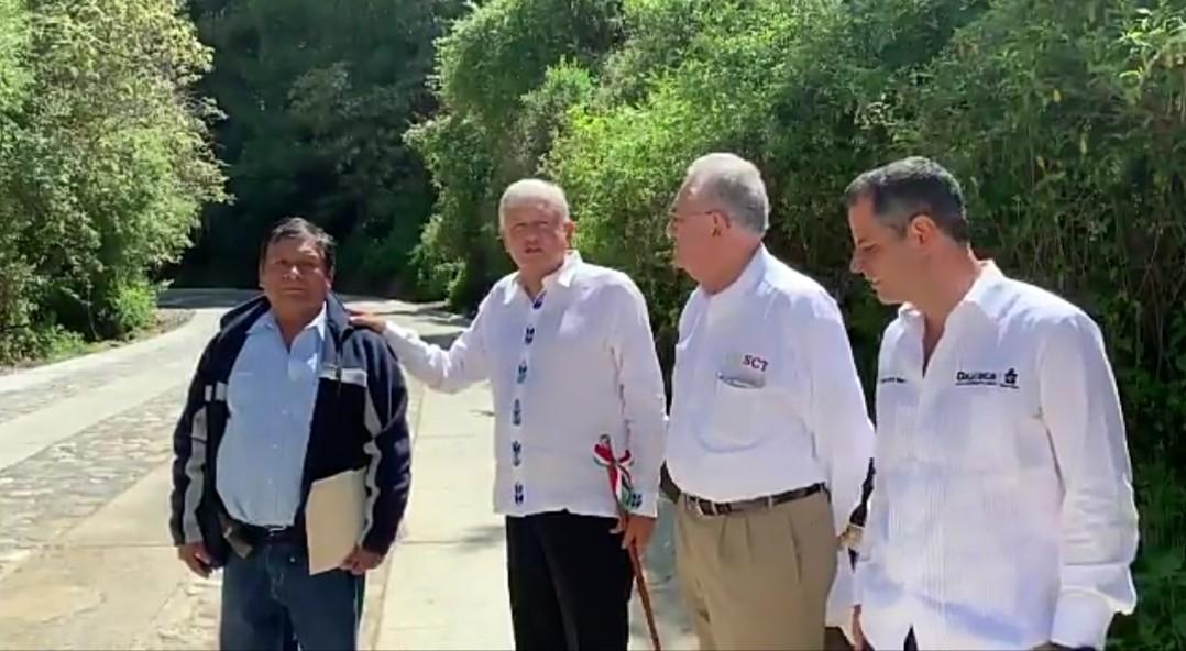 Photo of Obrador inspecciona obras en Oaxaca