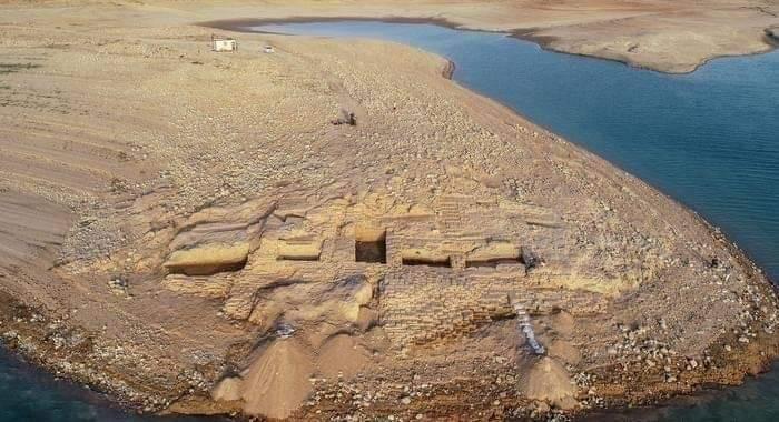 Photo of Sequía en Irak revela palacio de 3,400 años de antigüedad