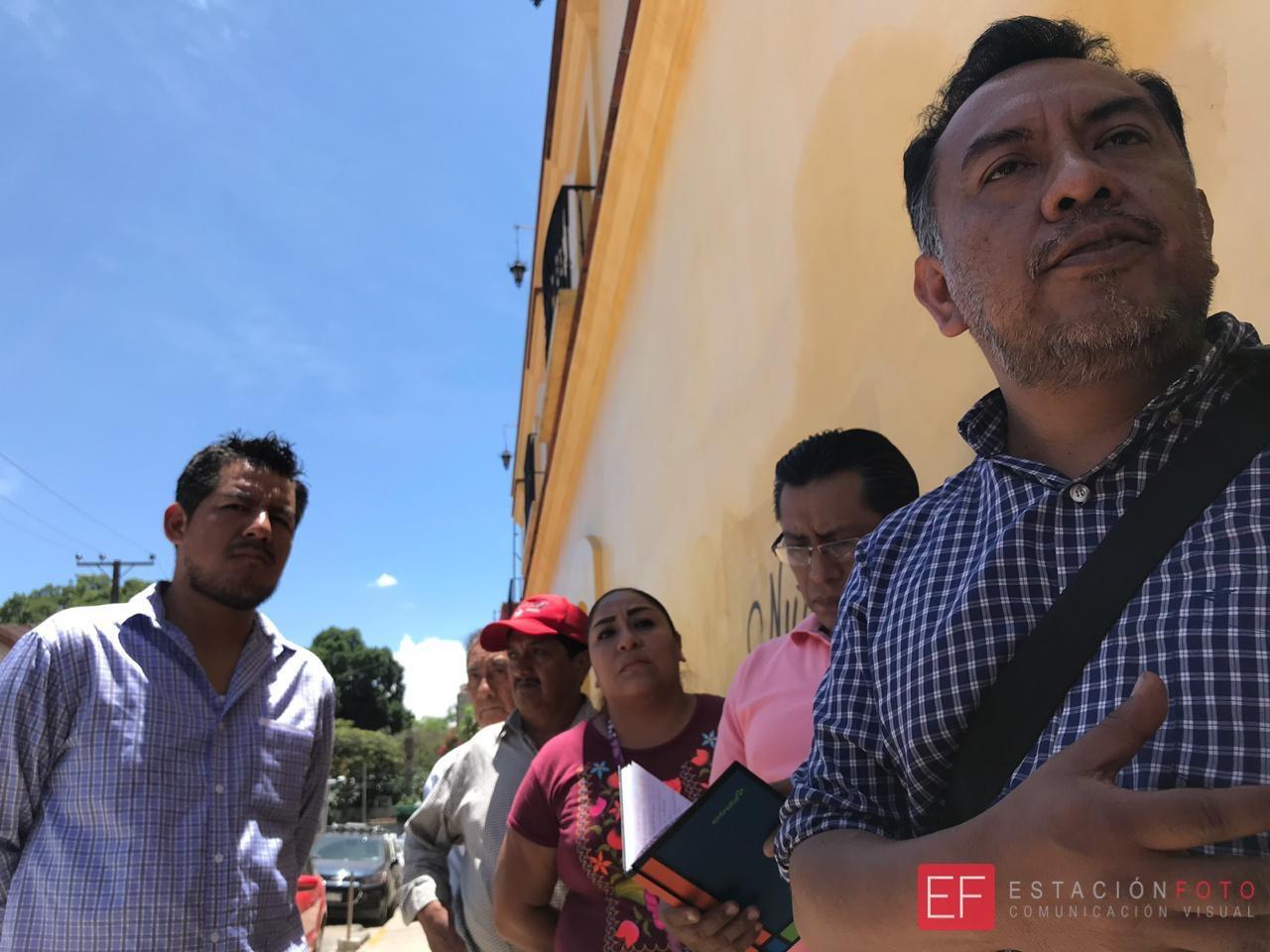 Photo of Ciudadanos de la capital, protestan por apertura de tiendas Oxxo