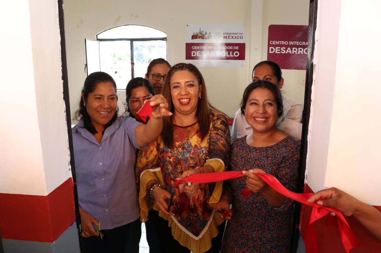 Photo of Instala Nancy Ortiz Cabrera, Centro Integrador para el Bienestar en San Felipe Tejalápam