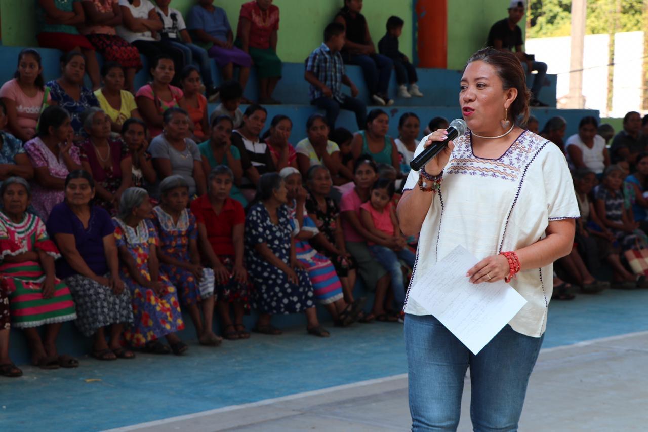 Photo of Pone en marcha Nancy Ortiz Cabrera, el Centro Integrador de Bienestar en San Bartolomé Ayautla