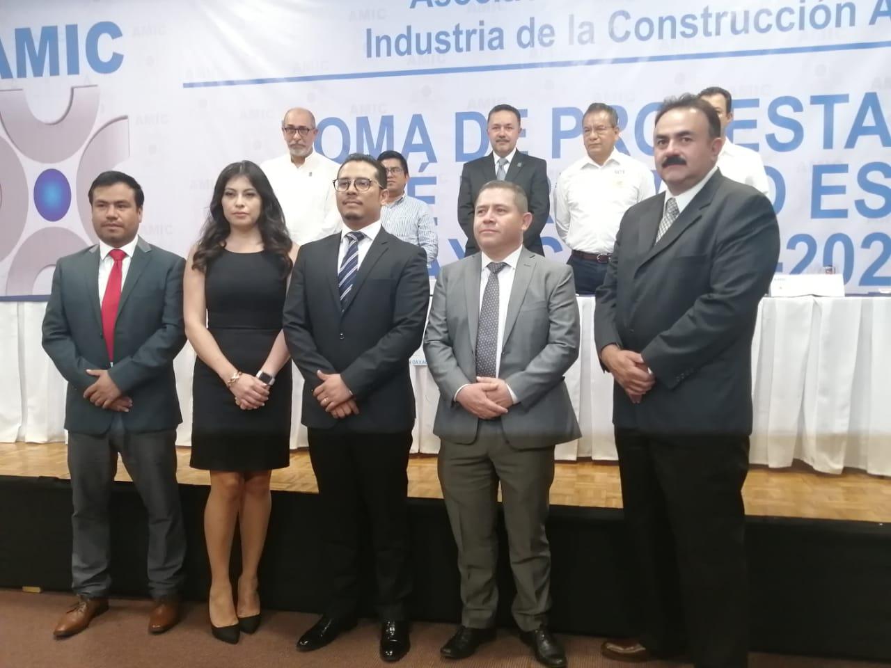 Photo of Nombran a Héctor Javier Chávez Rosales como nuevo presidente de la AMIC en Oaxaca