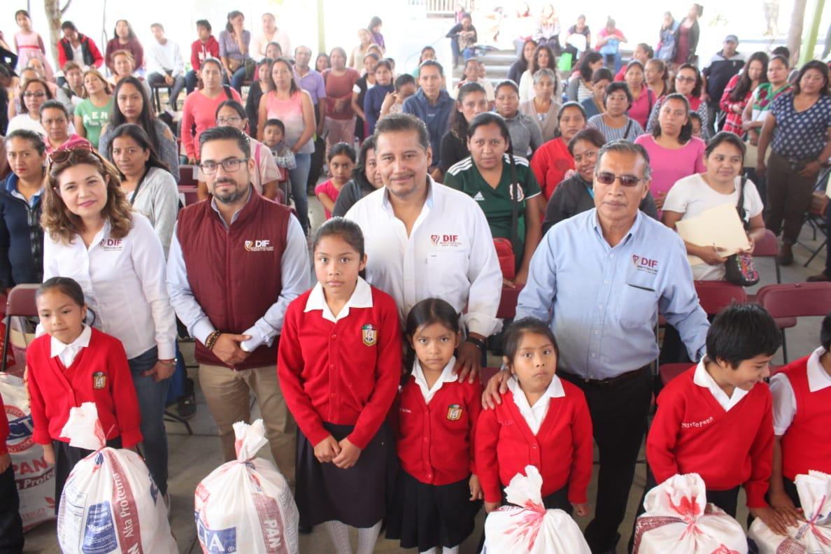 Photo of Entrega DIF Municipal de Oaxaca de Juárez estímulos a alumnado de educación básica
