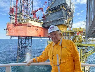 PEMEX compra siete plataformas petroleras