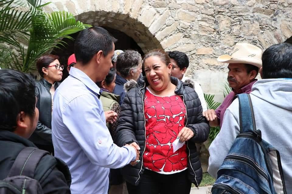 Photo of Se reúne Nancy Ortiz Cabrera con autoridades municipales del Distrito de Teotitlán de Flores Magón
