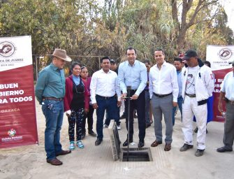 Extiende edil Oswaldo García cobertura de red de agua potable en la Agencia de Donají