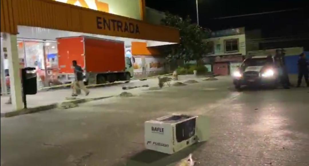 Photo of #EnVideo Saquean Chedrahui de Santa Cruz Xoxocotlán