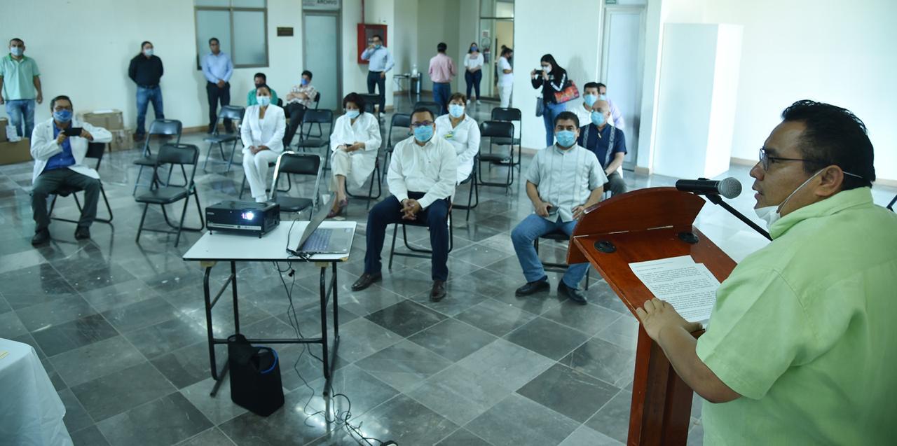 Photo of Entrega Diputado Horacio Sosa, material e insumos médicos a hospitales