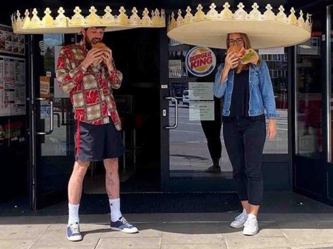 Photo of Burger King reabre tras Covid-19 y así guarda distancia entre clientes