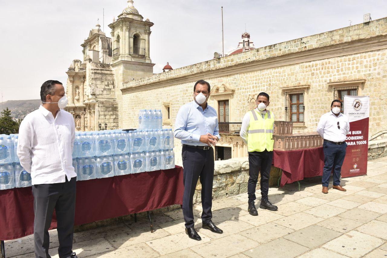 Photo of Recibe Ayuntamiento de Oaxaca donación de Grupo FEMSA para hacer frente al COVID-19