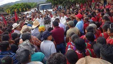 Photo of EN LA ZONA TRIQUI, INTEGRANTES DEL MULT RETIENEN A ELEMENTOS DE LA GUARDIA NACIONAL Y A REPRESENTANTE DE LA SEGEGO