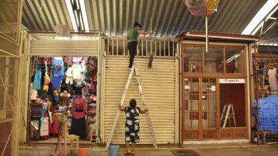 Photo of Ayuntamiento de Oaxaca y concesionarios limpian y desinfectan el Mercado de Artesanías