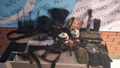 Photo of Tras cateo en Juchitán, Fiscalía General aprehende a probable homicida y lo presenta ante Juez; se le aseguraron armas, cartuchos y droga