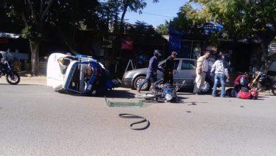 Photo of Fuerte choque entre una mototaxi y un motociclista en carretera a Atzompa