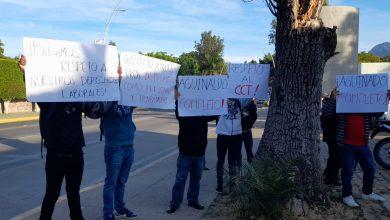 Photo of Trabajadores de hoteles exigen el pago de aguinaldo; protestan en centros de trabajo