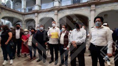 Photo of En Palacio de Gobierno, recibe Alejandro Murat a las organizaciones sociales; entabla diálogo con ellas